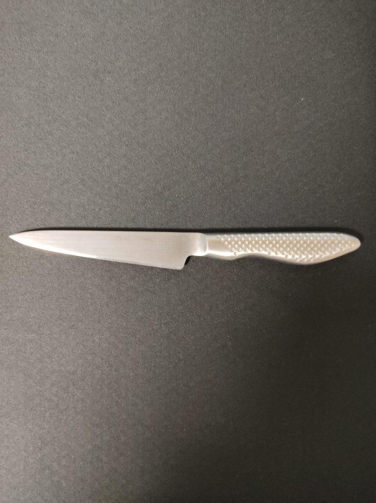 写真は愛用しているグローバルペティーナイフ