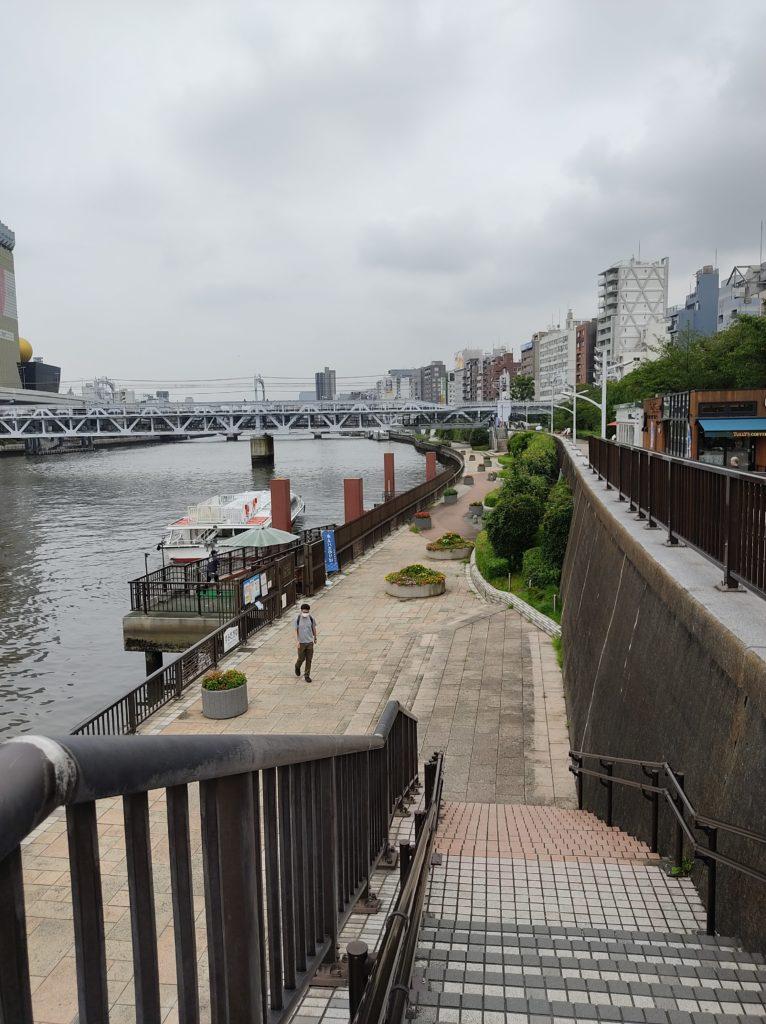 隅田川親水テラス。