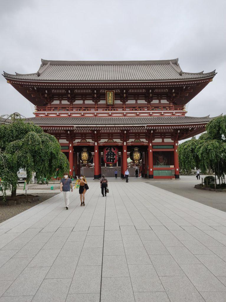 浅草寺宝蔵門。