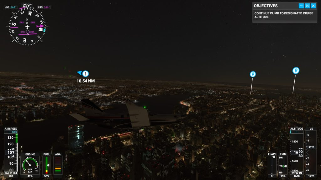 深夜のマンハッタン上空。