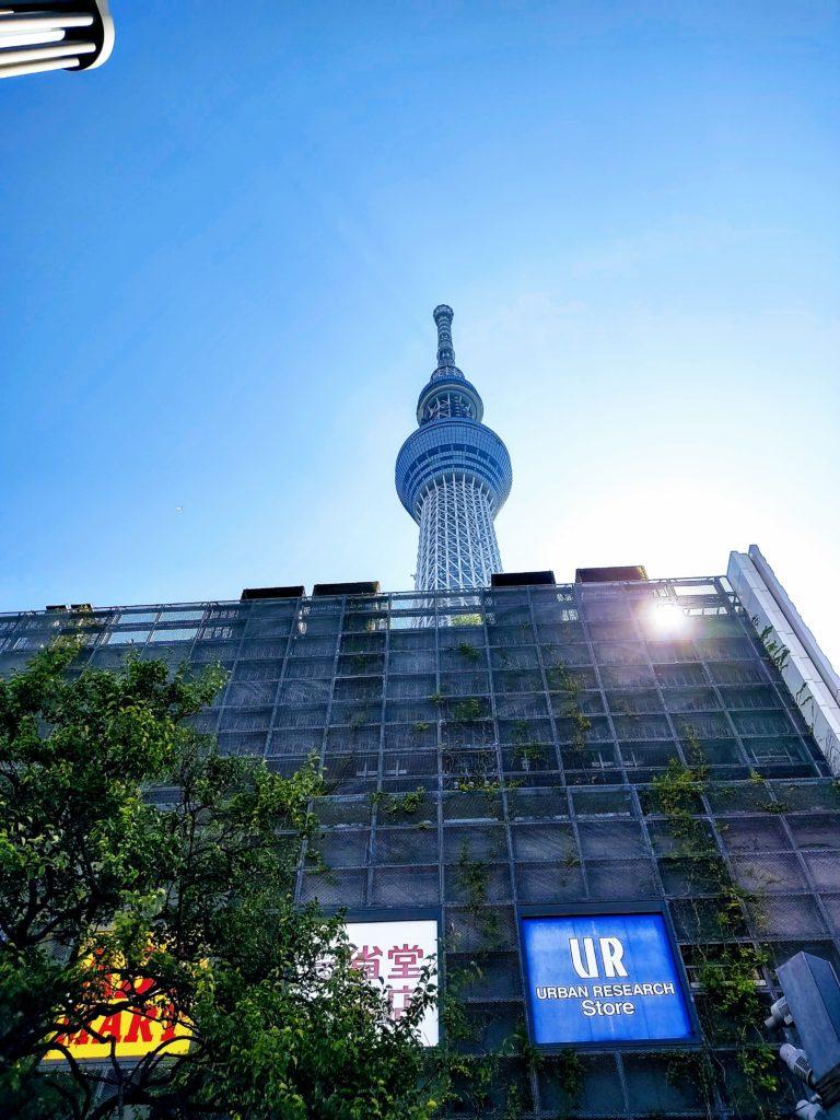 とうきょうスカイツリー駅前から撮った東京スカイツリー。