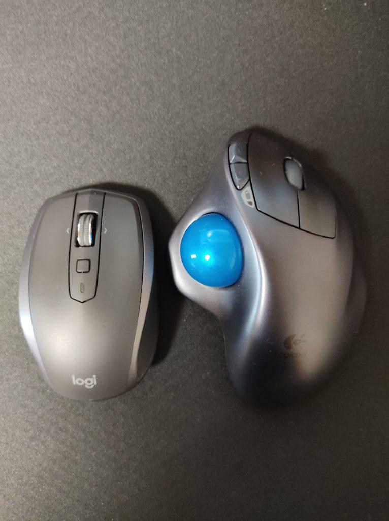 ANYWHERE 2S MX1600sとSW-M570との大きさ比較写真。