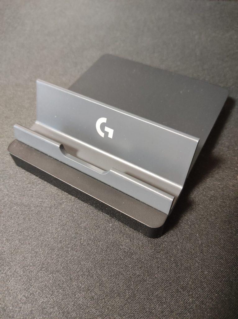 ロジクールメカニカルキーボードG613おまけのスマホスタンド。