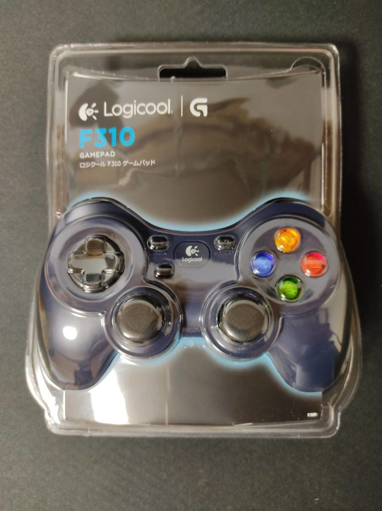 ロジクールのゲームパッド「F310」のパッケージデザイン。