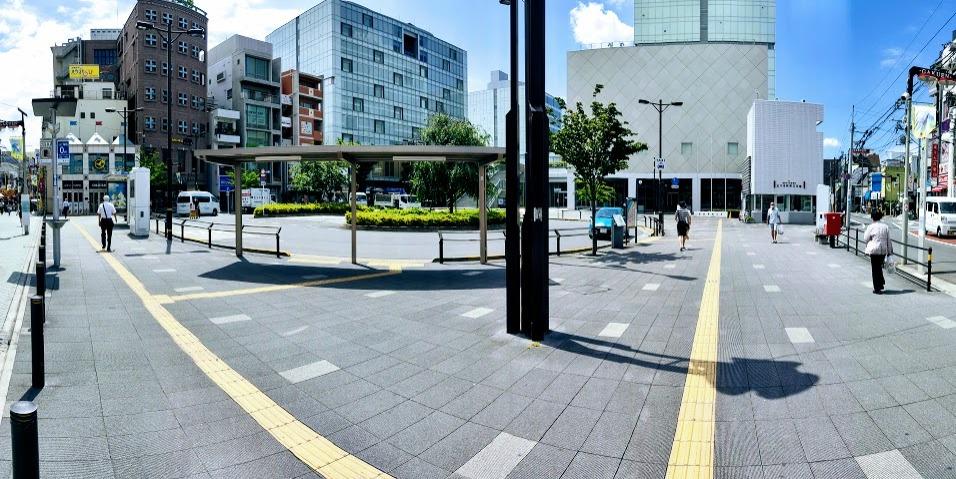 駅前のロータリー。