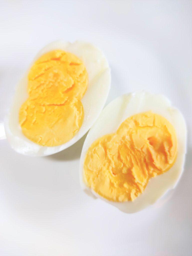 双子のゆで卵。