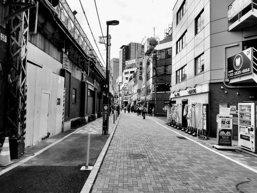 神田駅周辺。