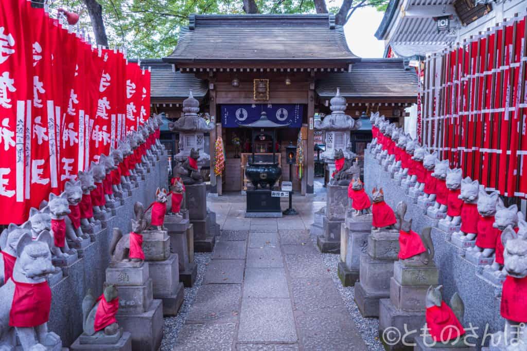 豊川稲荷東京別院三神殿。