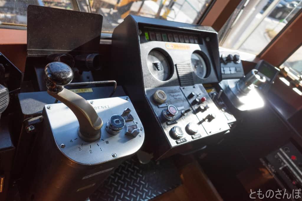 都電荒川線(東京さくらトラム)、運転席。