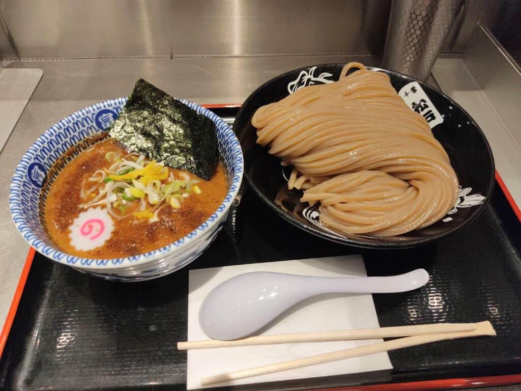 「松戸富田麺絆」の濃厚つけ麺。
