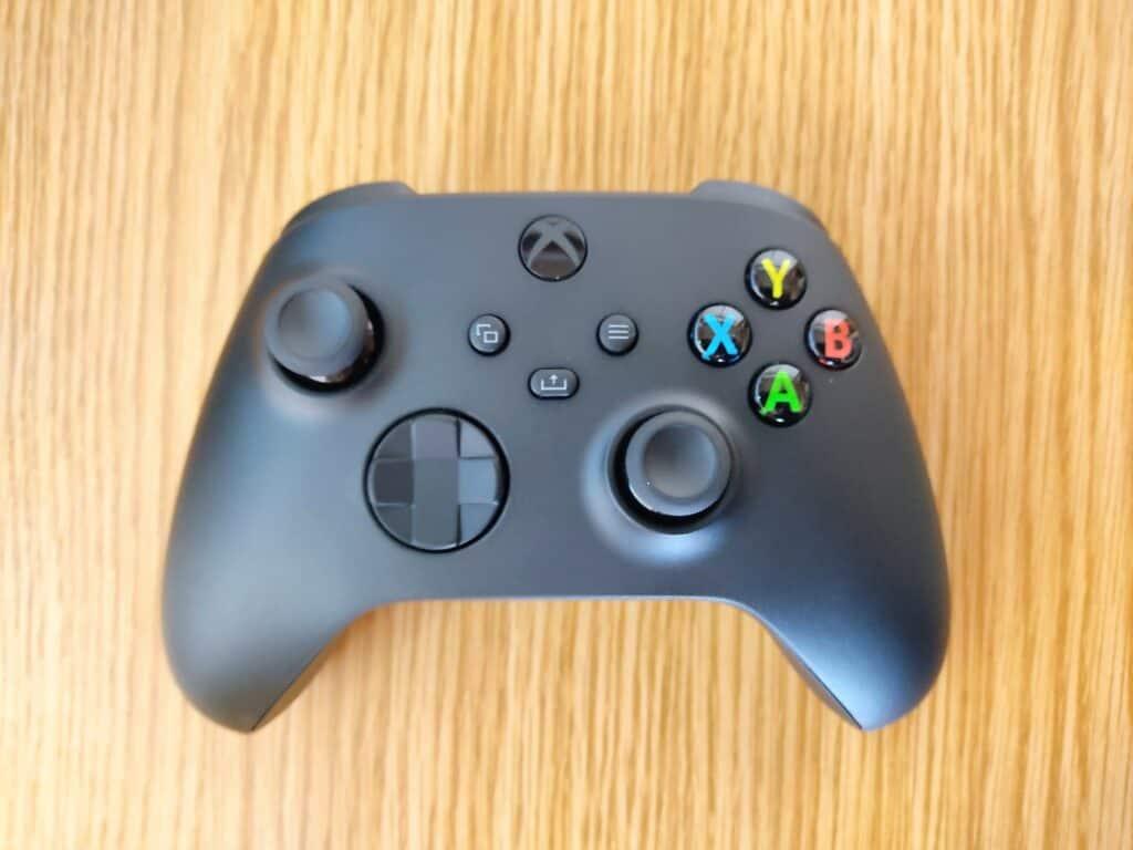 マイクロソフト「Xbox ワイヤレス コントローラー 」の表面