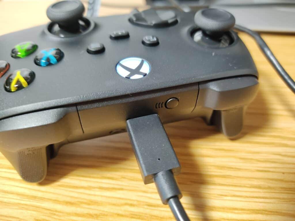 マイクロソフト「Xbox ワイヤレス コントローラー 」をUSB接続したところ