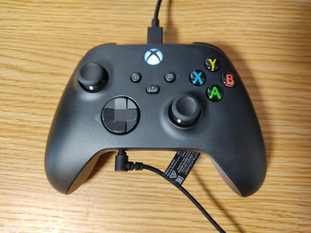 マイクロソフト「Xbox ワイヤレス コントローラー 」の3.5mm ステレオオーディオジャックにヘッドセットを接続したところ