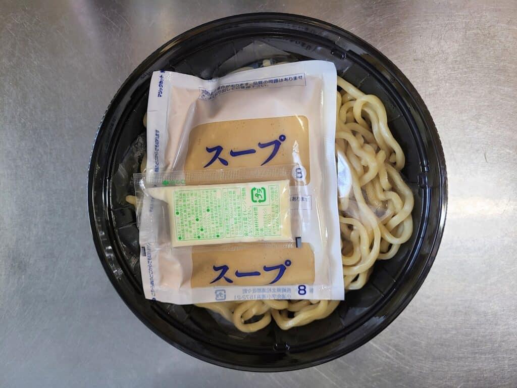 麺とスープ。
